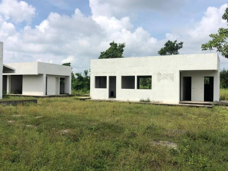 Exigen en Metapa de Domínguez, se retomen obras del hospital