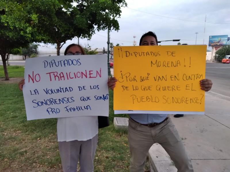 Exigen integrantes de Provida que no se vote matrimonio igualitario
