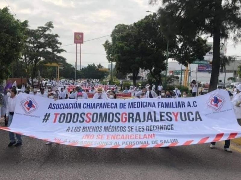 Exigen libertad de médico Grajales Yuca