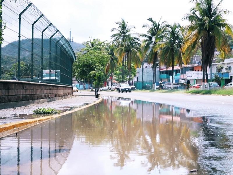 Exigen que API solucione inundaciones en Boulevard Costero de Manzanillo