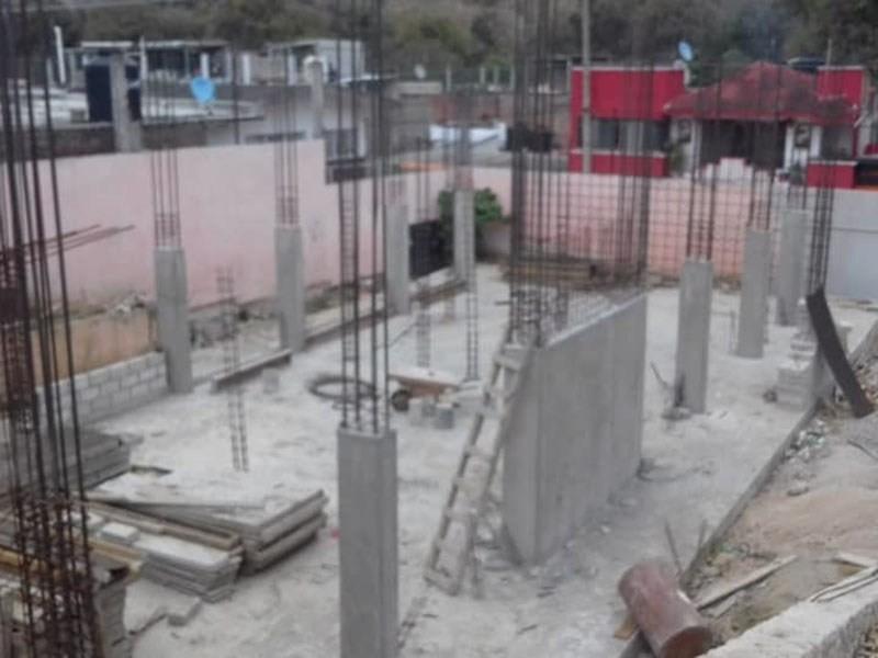 Exigen reconstrucción en escuelas de Bochil