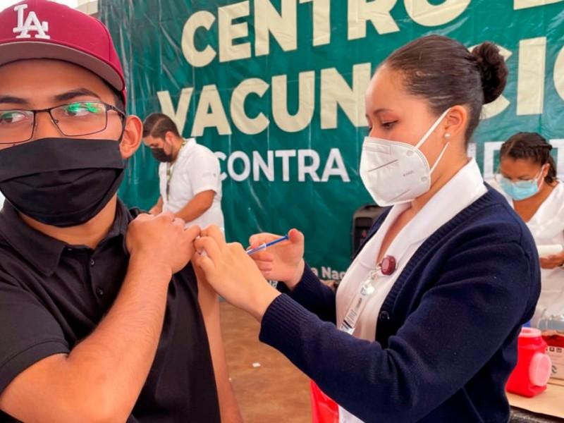 Exitosa vacunación de jóvenes en Nayarit: SSN