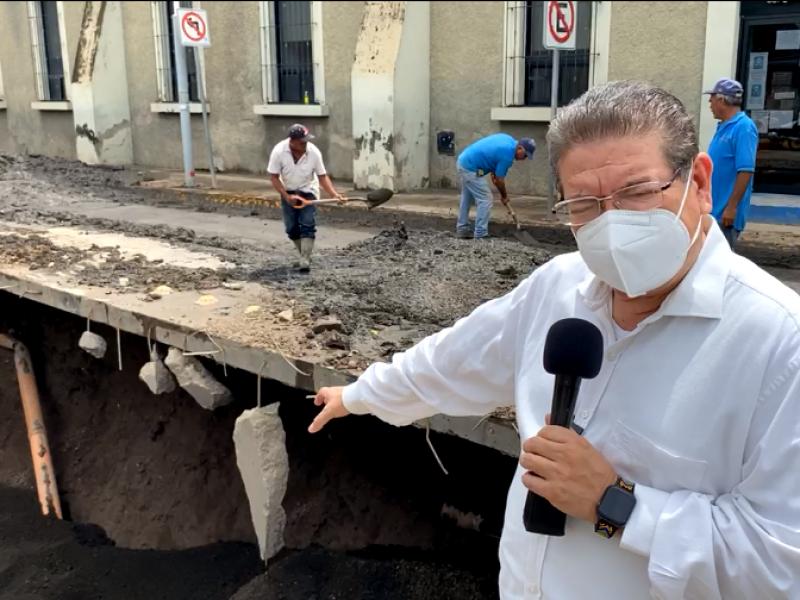 Explican autoridades origen del socavón en 12 de octubre
