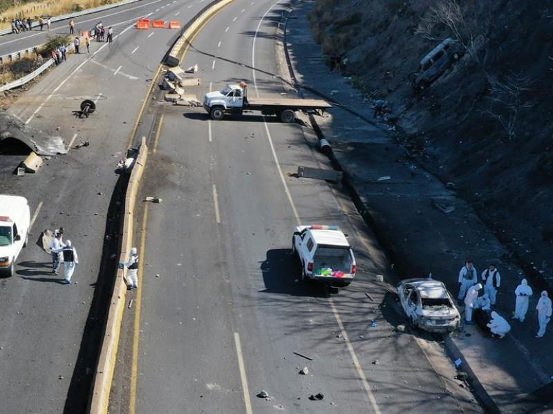 Explosión de camión cisterna de gas deja 15 muertos
