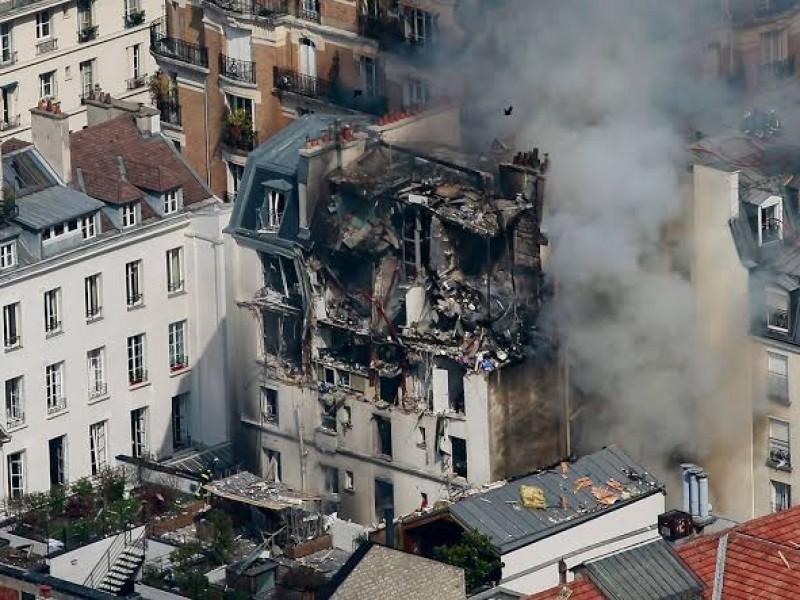 Explosión en edificio en París deja 2 muertos