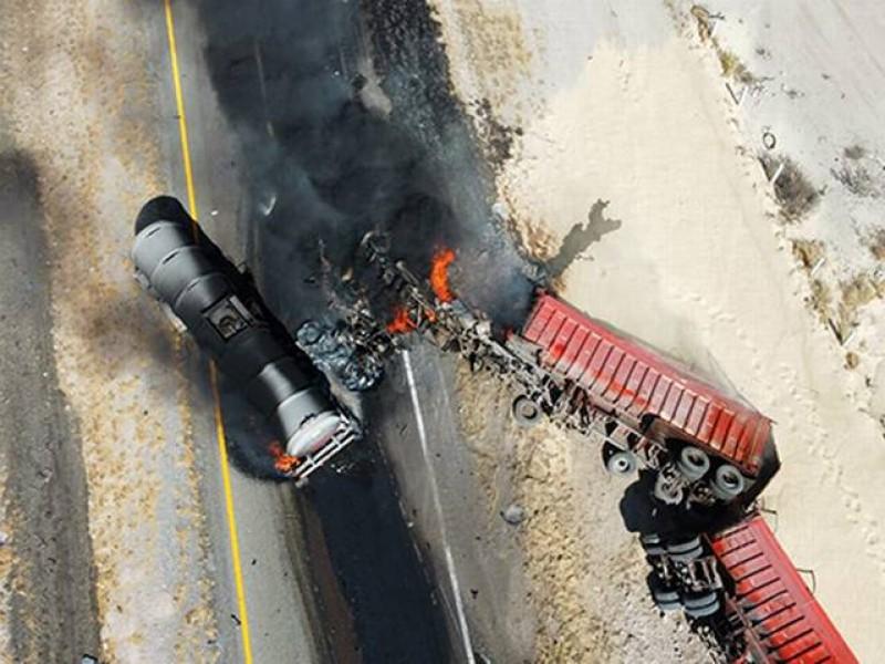 Explota pipa en la Torreón-Saltillo