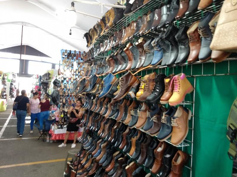 Expo fabricantes de León en Salina Cruz