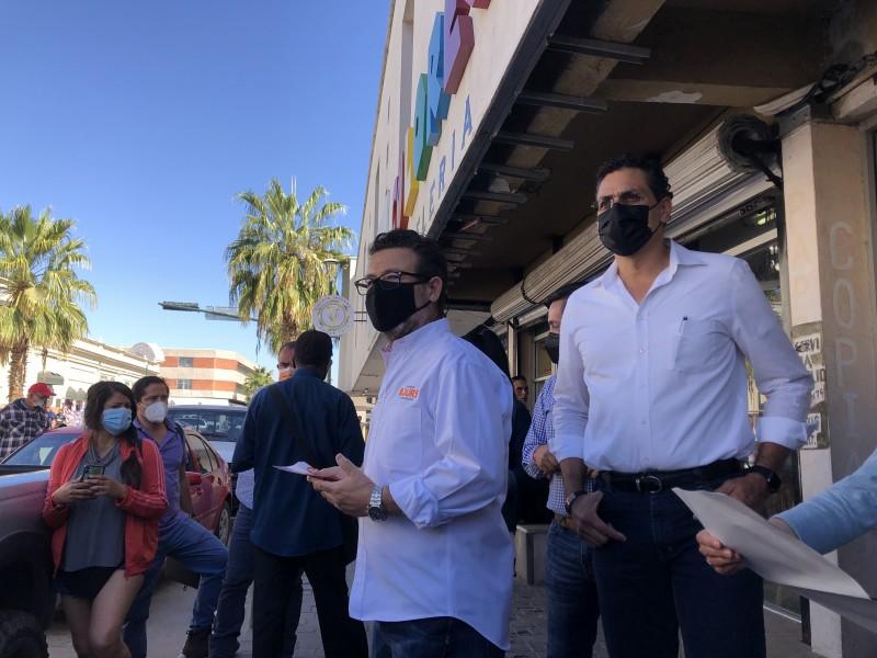 Exponen a Candidato Bours inquietudes locatarios del centro