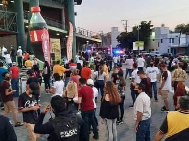 Fallan medidas sanitarias en juego inaugural en estadio de Culiacán