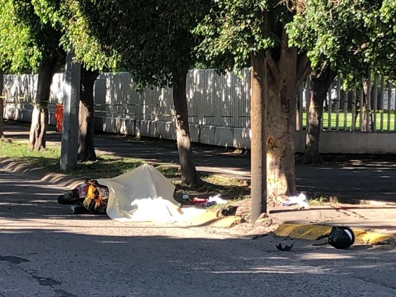 Fallece motociclista tras choque en bulevar Francisco Villa