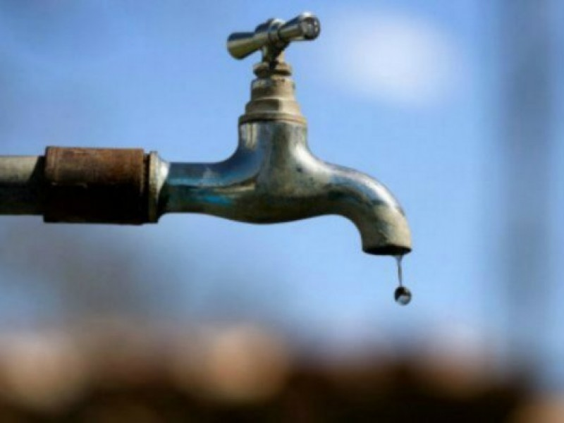 Falta de agua afecta a economía de ciudadanos
