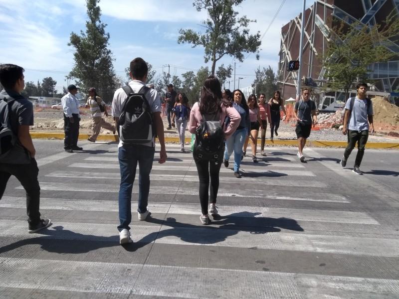 Falta de cultura vial e infraestructura deficiente para peatones: CACLAC