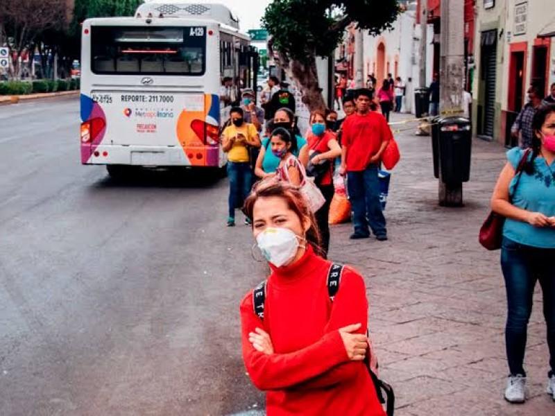 Falta hacer cumplir medidas preventivas en transporte público: ciudadanos
