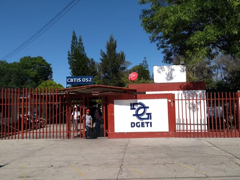 Faltan maestros en el CBTIS 52 de Zamora