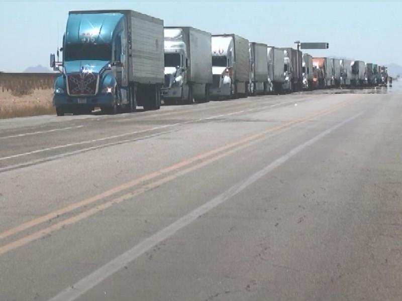 Faltan señalamientos en carretera hacia retén militar CUCAPAH