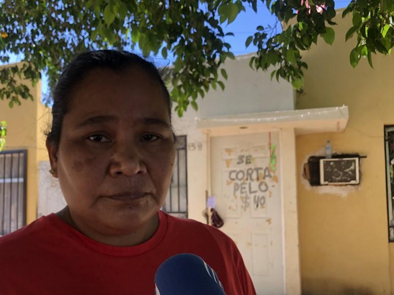 Familia navojoense solicita apoyo de víveres en colonia Villa Verde