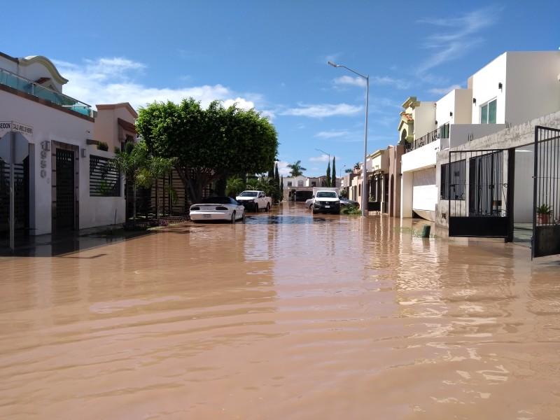 Familias cuantifican daños de sus hogares en Ahome
