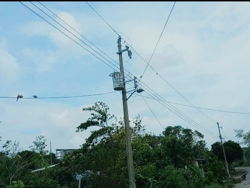 Familias de Tuxpan sin energía eléctrica