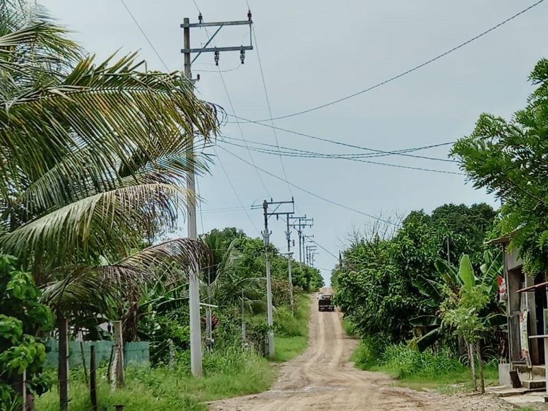 Familias esperan servicio de suministro eléctrico en Tuxpan