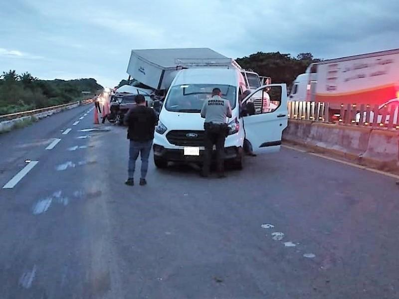 Fatal accidente en carretera de Acayucan deja 3 muertos