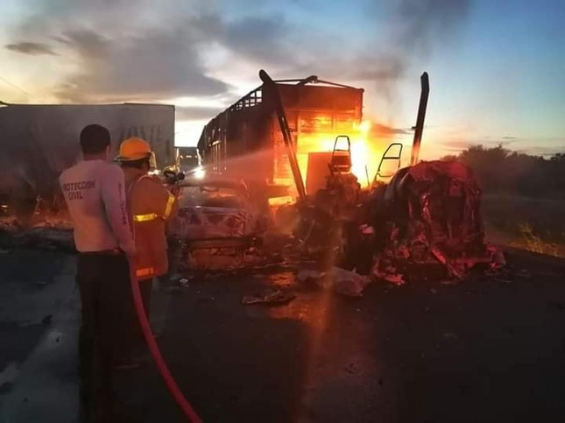 Fatal accidente sobre la carretera Villahermosa-Coatzacoalcos