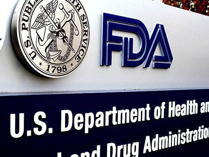 FDA autoriza uso de plasma sanguíneo contra covid-19