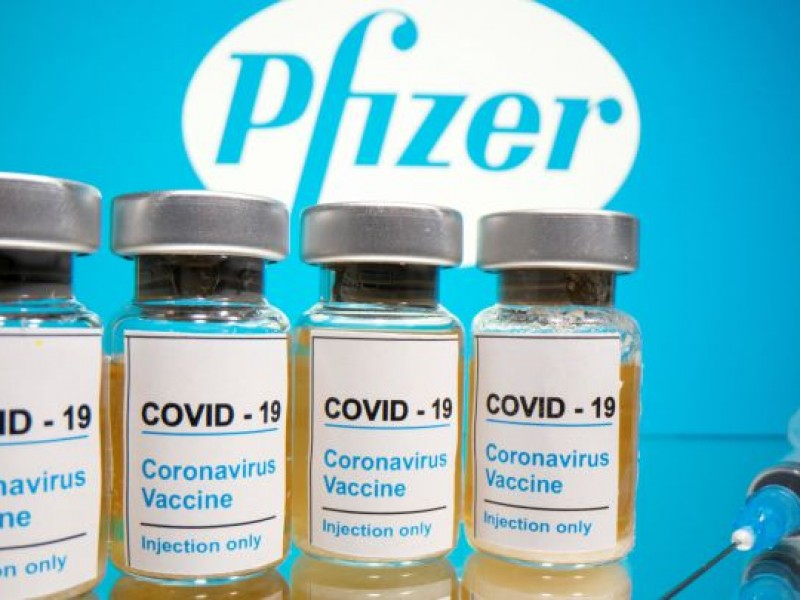 FDA da aprobación total a vacuna Pfizer contra Covid-19
