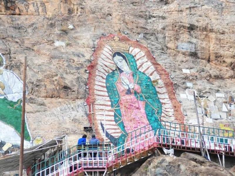 Feligreses avalan restricción de acceso a cerro de la Virgen