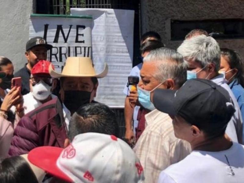 Félix Salgado Macedonio llega al INE para impugnar resolución