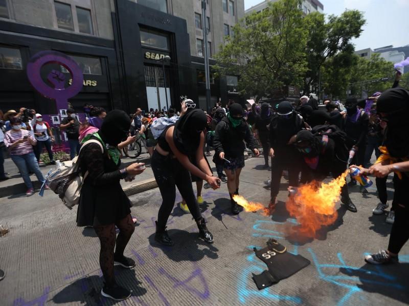 Feministas exigen un alto a la represión policiaca