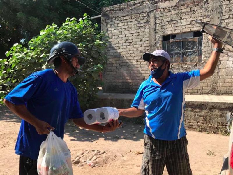 FENAY donó despensas a pobladores de Santiago Ixcuintla