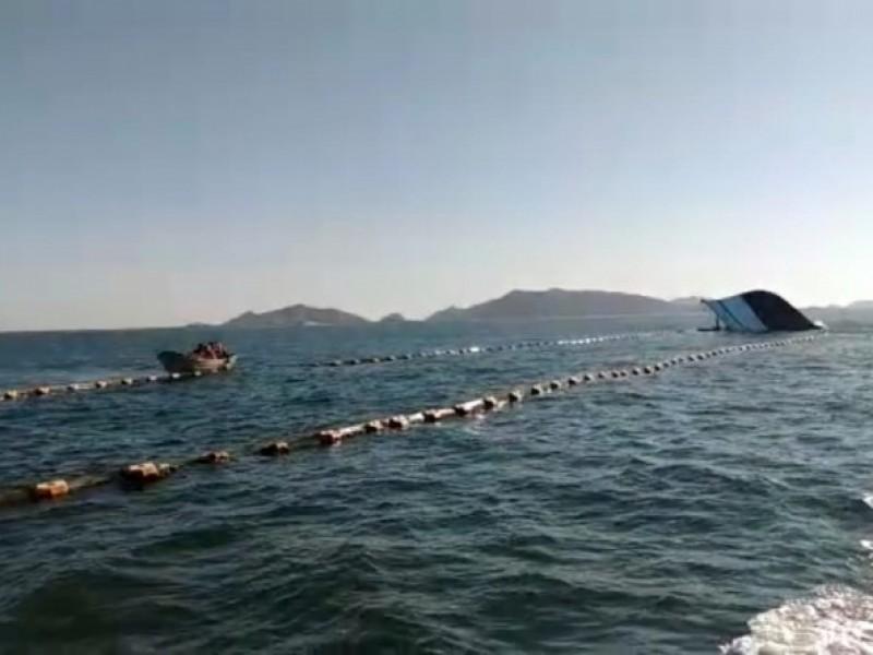 Ferry choca y hunde barco camaronero en Sinaloa