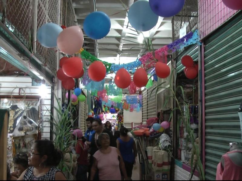 Festejan a locatarios de los mercados del Istmo
