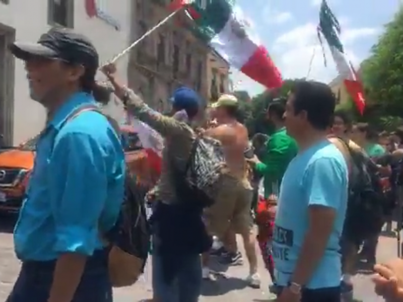 Festejan queretanos triunfo de México sobre Alemania