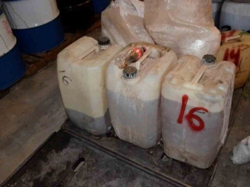 FGR incinera sustancias y químicos en Sinaloa