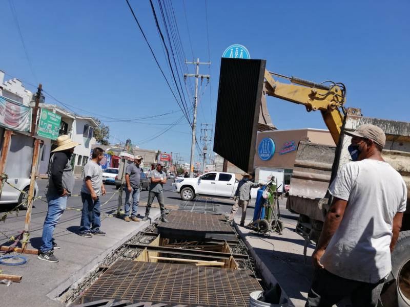 Finaliza reparación de la rejilla de Avenida Rey Nayar