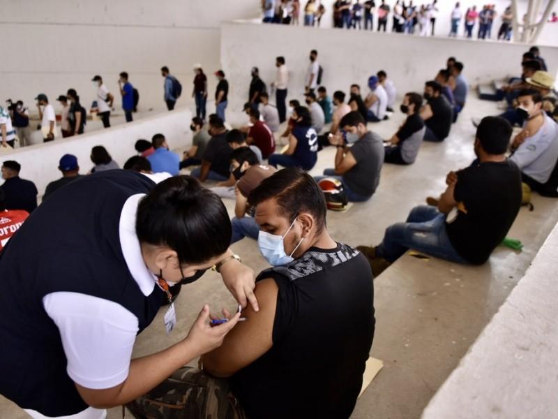 Finalmente aplicarán segunda dosis para 30 y más en Torreón