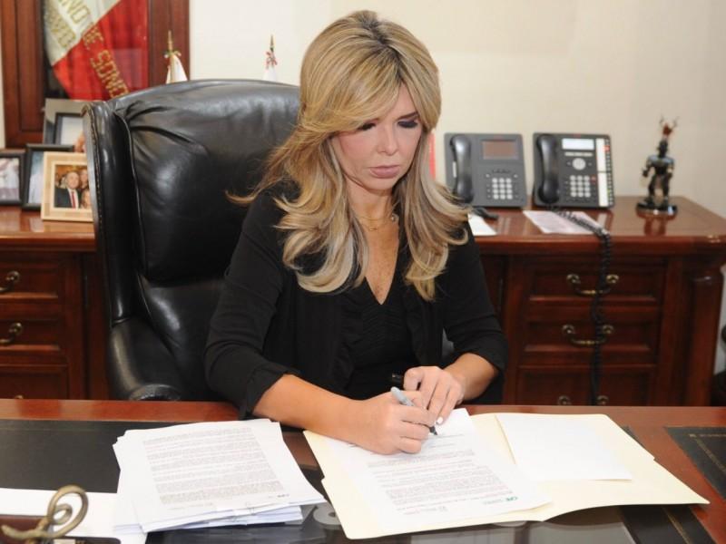 Firma Gobernadora convenio para subsidio a la tarifa de luz