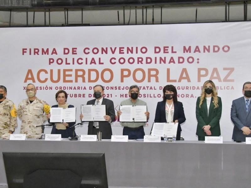 """Firman alcaldesas y alcaldes """"Acuerdo por la Paz"""