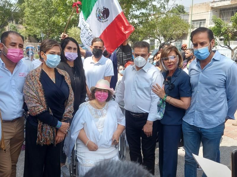Firman candidatos por Guadalajara compromisos con afectados por explosiones