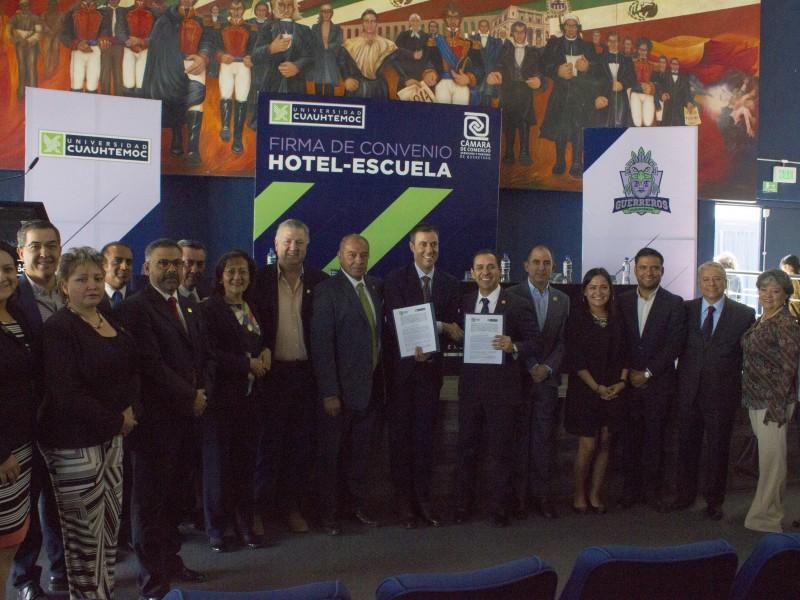 Firman convenio CANACO y Universidad Cuauhtémoc