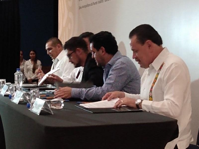 Firman convenio para desarrollar área metropolitana Jalisco-Nayarit