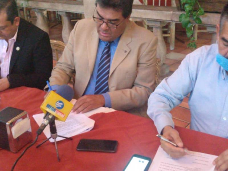 📹Firman convenio, taxistas brindarán servicio de envío por 40 pesos