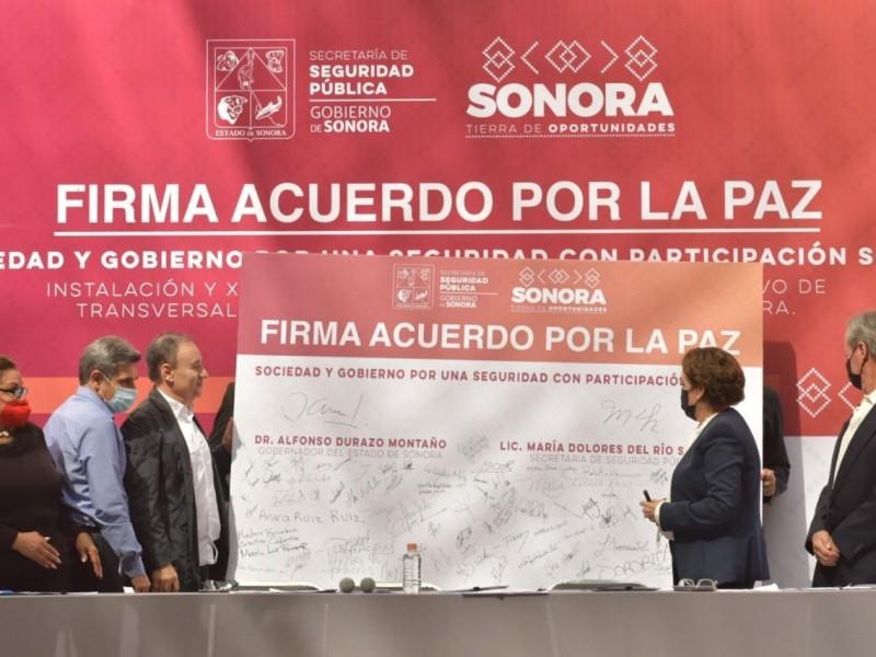 Firman gobierno y sociedad, acuerdo por la paz