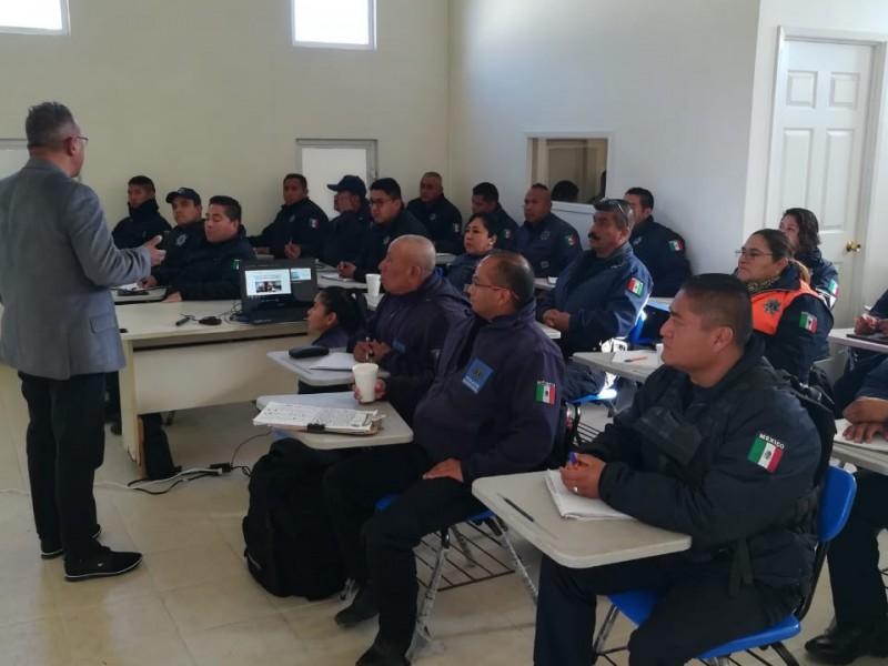 Fiscalía capacita a policías en Tequisquiapan