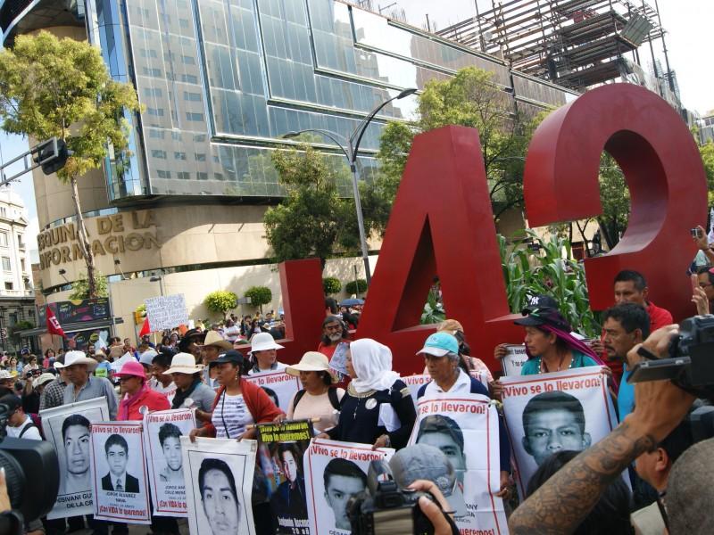Fiscalía de Ayotzinapa, tras funcionarios que incumplieron