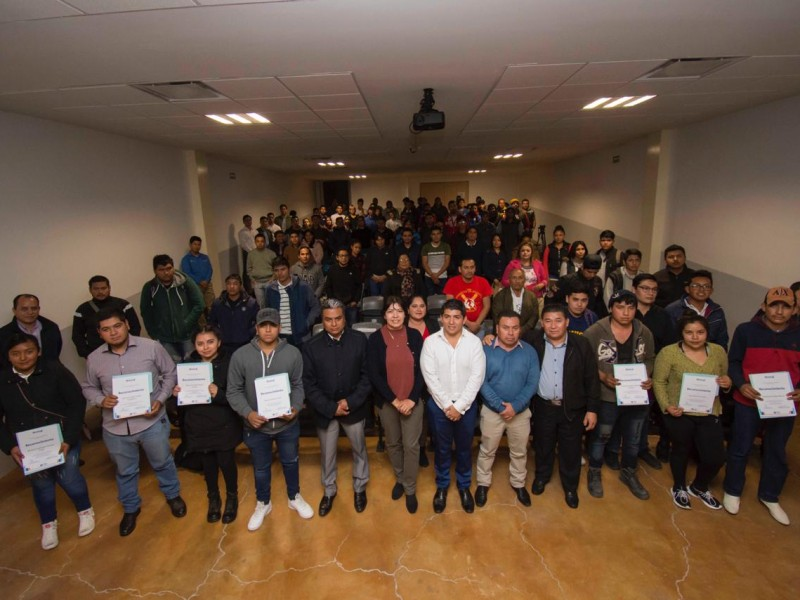 Fomentan en El Marqués apoyo a jóvenes