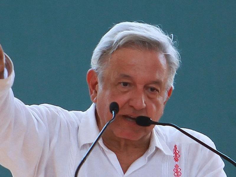 Formaliza AMLO en Salina Cruz operación de puertos a SEDENA