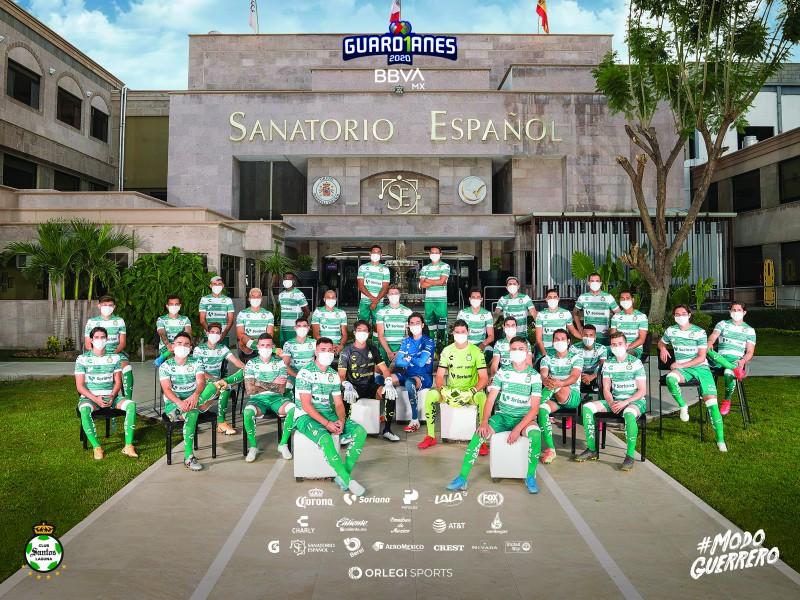 FOTO OFICIAL EN HOMENAJE A LOS GUARDIANES DE LA SALUD
