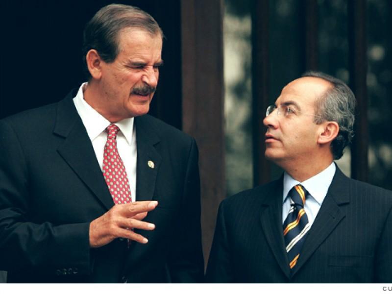 Fox y Calderón se mofan de la consulta popular